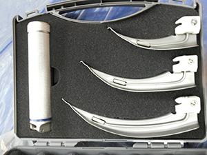 Laryngoscope blade and Handle set